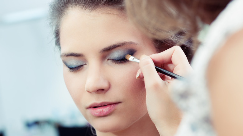 Makeup tricks that make you look younger - photo#41