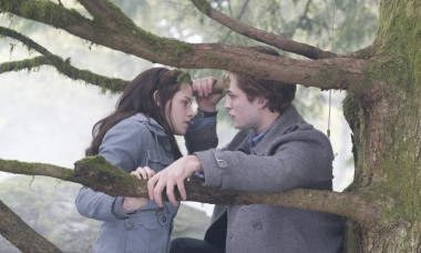 Twilight-Movie-HIGH-RESOLUTION-Stills-twilight-series-8917819-2560-1708