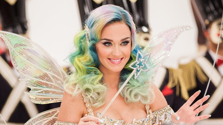 Katy Perry wearing a wig