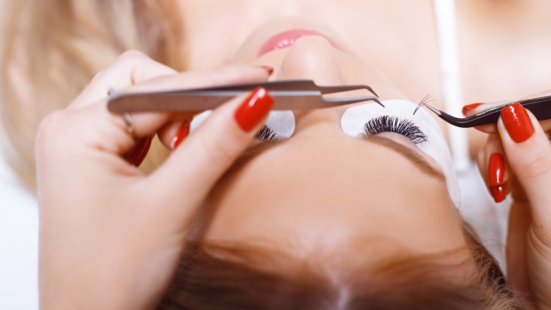 Everything You Need To Know About Eyelash Extensio