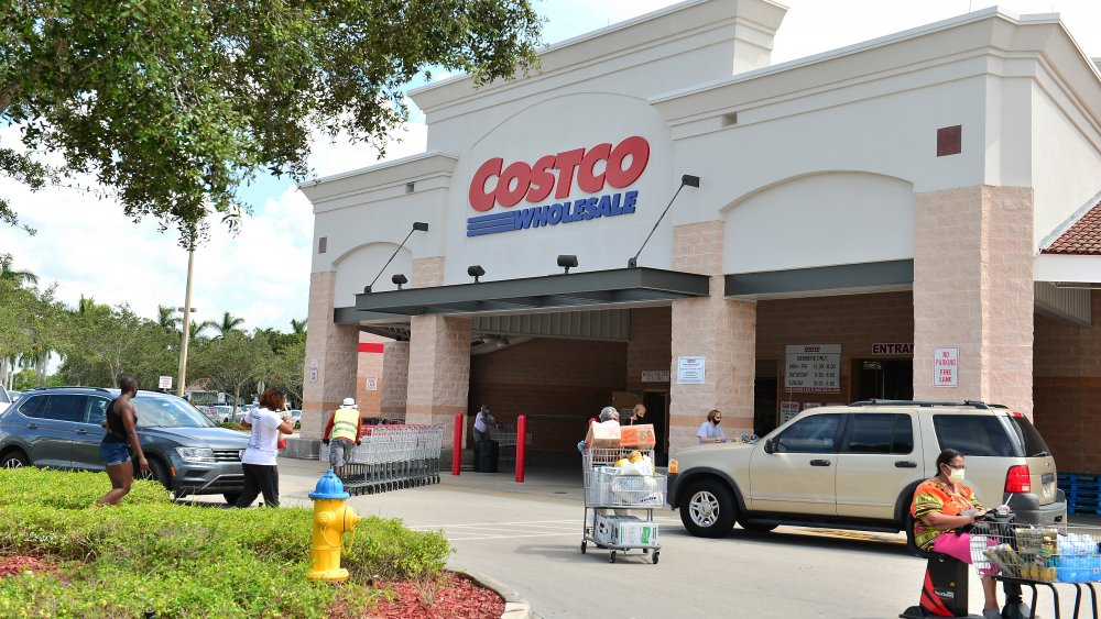 Hacks you should use at Costco if you're single