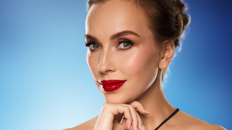 Makeup tricks that make you look younger - photo#13