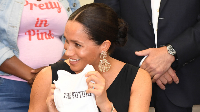 why meghan markle ditched her huge engagement ring why meghan markle ditched her huge