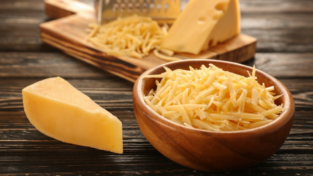 The real reason you should never eat shredded cheese