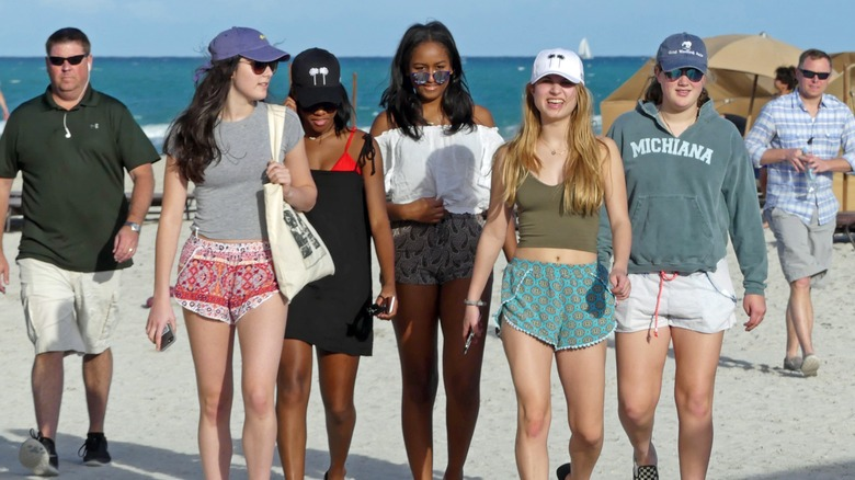 Sasha Obama with friends at the beach