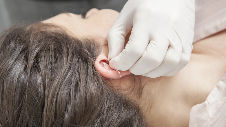 What You Should And Shouldn T Do To Clean Ear Piercings