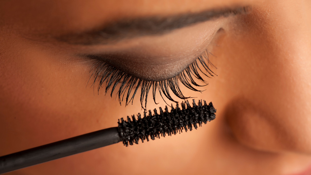 This Is Why You Should Have Eyelash Primer In Your Makeup Bag