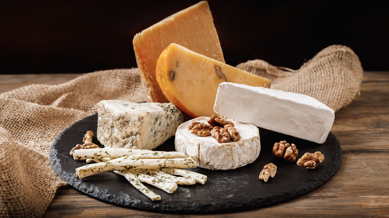 When you eat cheese every day, this is what happens to your body